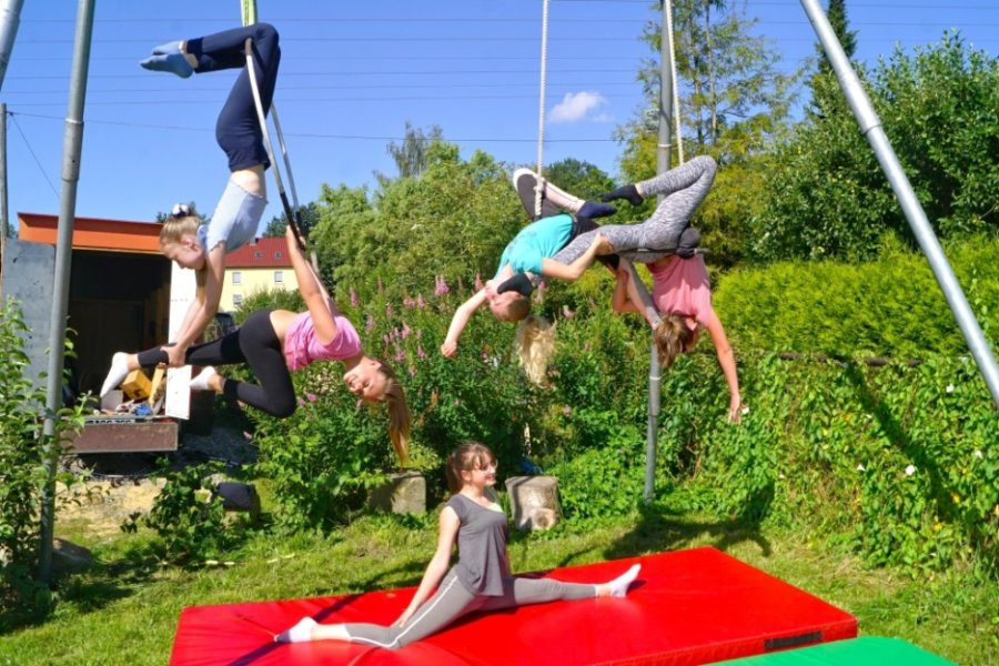 Ds tägliche Training in der Gruppe macht den Mädchen viel Spaß.