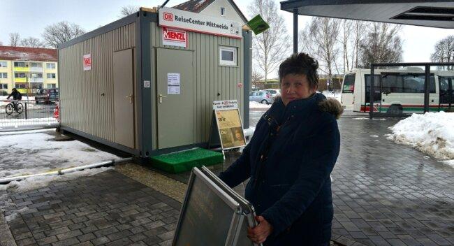 Damit die Arbeiten starten können, ist Karin Grundmann mit ihrem Laden in einen Container gezogen.