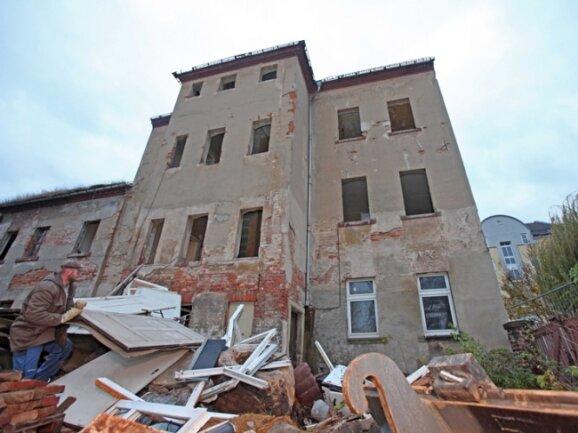 Drei Häuser am Eingang zur Knopffabrik wurden abgerissen.