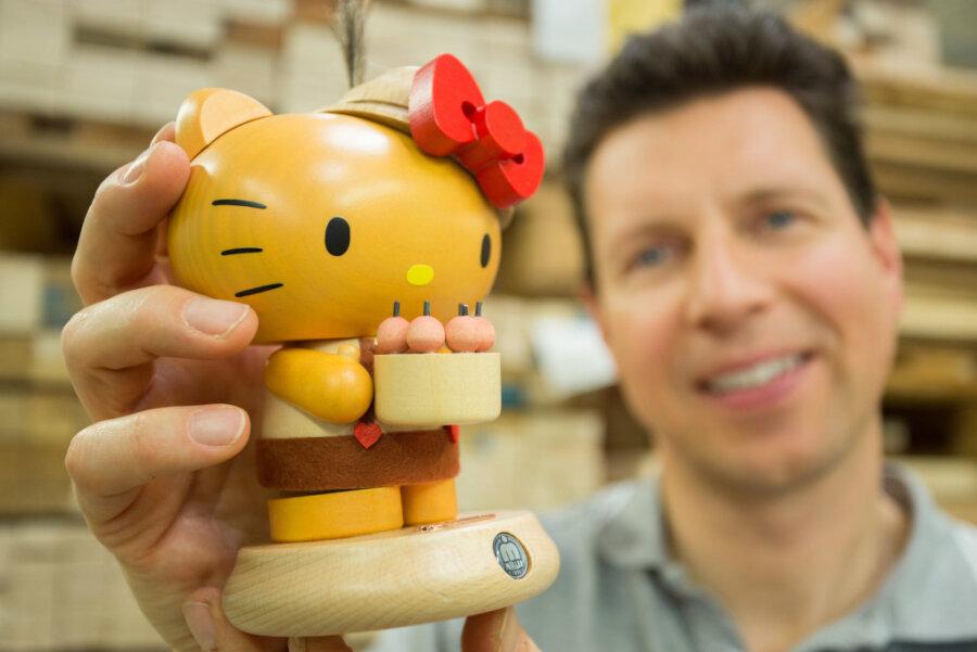 """Großauftrag aus Japan: """"Hello Kitty"""" bringt Doppelgold nach Seiffen"""