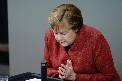 Fast flehentlich war der Appell von Bundeskanzlerin Angela Merkel an die Bürger, weiter geduldig Einschränkungen zu ertragen.