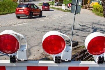 Ab heute soll die B 180 in Erdmannsdorf gesperrt bleiben.