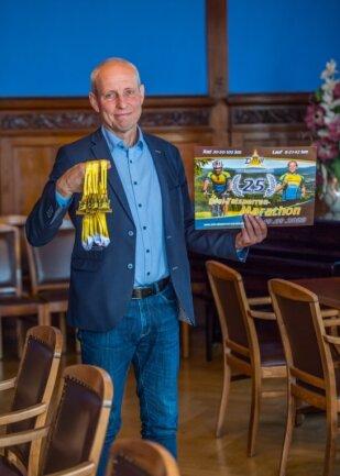 Eibenstocks Bürgermeister Uwe Staab ist auch der Vorsitzende des örtlichen Marathonvereins. Der ist Veranstalter des Drei-Talsperren-Marathons, der am 19. September zum 25. Mal stattfindet.