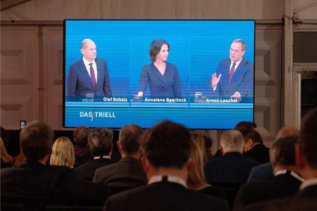 """Das Triell von ARD und ZDF hat am Sonntagabend mehr als elf Millionen Menschen vor den Bildschirm geholt. Die Sendung """"Das Triell - Dreikampf ums Kanzleramt"""" sahen im Ersten 7,36 Millionen und im Zweiten 3,51 Millionen Zuschauer."""