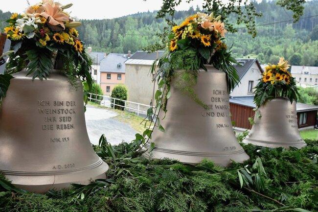 Am Sonntag wurden im Rahmen der Körbe in Zwota die neuen Glocken geweiht.