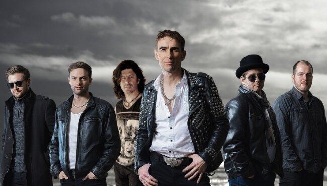 Die Maffay-Show-Band: Marc Unger, Franz Günther, Oli Roth, Steven Gärtner, Andreas Winkler, Elias Fischer (v. l.).