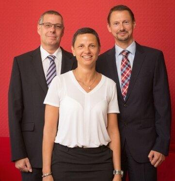 Die Experten des Bundesverbandes deutscher Banken Holger Alex, Katja Weps und Enrico Finsterbusch (v.l.) berieten die Leser.
