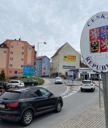 In Bärenstein rollten zuletzt wieder im Sekundentakt Autos über die Grenze.
