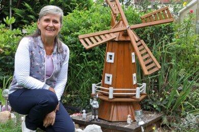 Die Windmühle ist wieder an ihrem Platz, auch dank der intensiven Detektivarbeit von Gartenvereinschefin Dana Reinhold.