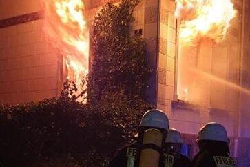 Bei einem Feuer an der Schillerstraße ist am Donnerstag ein 68-Jähriger gestorben.
