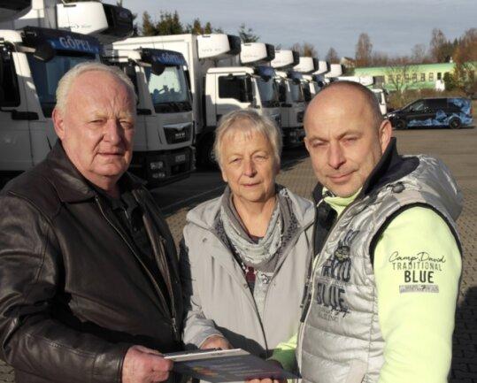 Mit Harald (l.) und Renate Göpel begann alles im Fuhrunternehmen. Der Seniorchef fuhr anfangs mit einem Fiat Ducato Waren von A nach B. Als Sohn Ralf 2017 nachrückte, standen schon mehr als 20 Fahrzeuge im Hof.