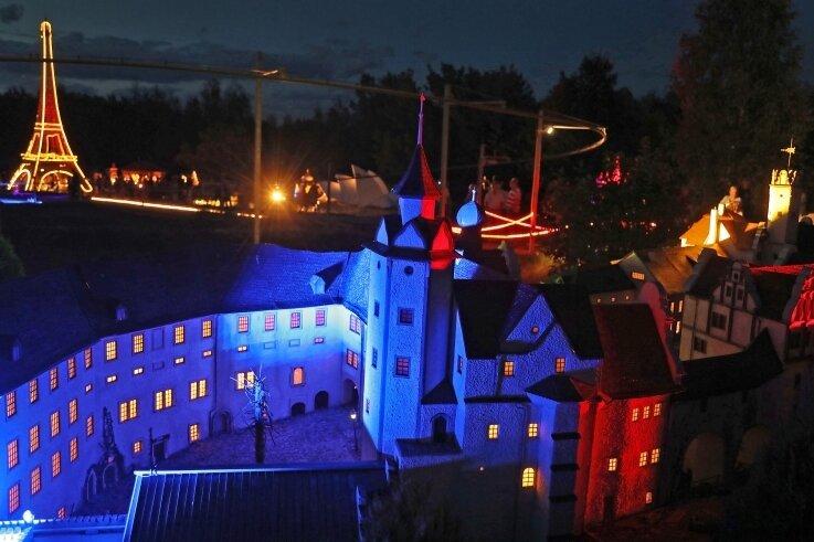 Nachtschwärmer kommen am Samstag in der Miniwelt wieder auf ihre Kosten. Die Besucherzahl ist jedoch begrenzt.