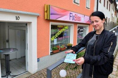 """Wie so viele Gastrobetriebe darf auch Anastasia Buravleva im Imbiss """"Fixbiss"""" in Mittweida keine Kunden mehr empfangen. Sie bietet deshalb einen Abhol- und Lieferservice."""