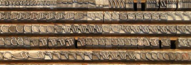 Die großen verzierten Anfangsbuchstaben, die Initialen, werden gerne bei Gedichten oder neuen Absätzen genommen.