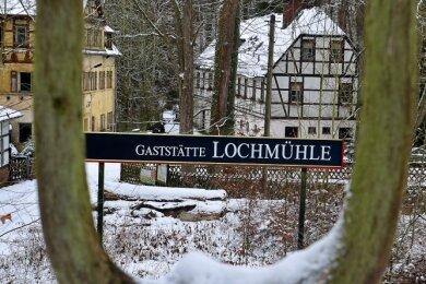 Die idyllisch gelegene Lochmühle in Erlebach an der Talsperre Kriebstein war einst nicht nur eine beliebte Gaststätte, sondern auch eine Pension gab es dort.