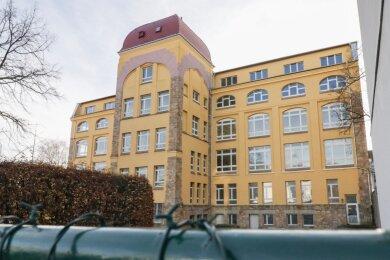 In diesem mehr als 100 Jahre alten Gebäude an der Seumestraße, unweit des Schloßteichs, will die Bildungsgesellschaft F+U ein Internationales Gymnasium etablieren. Es wäre die erste Einrichtung dieser Art in der Region.