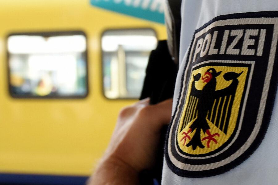 Betrunkene 35-Jährige greift in Leipzig Bundespolizisten an