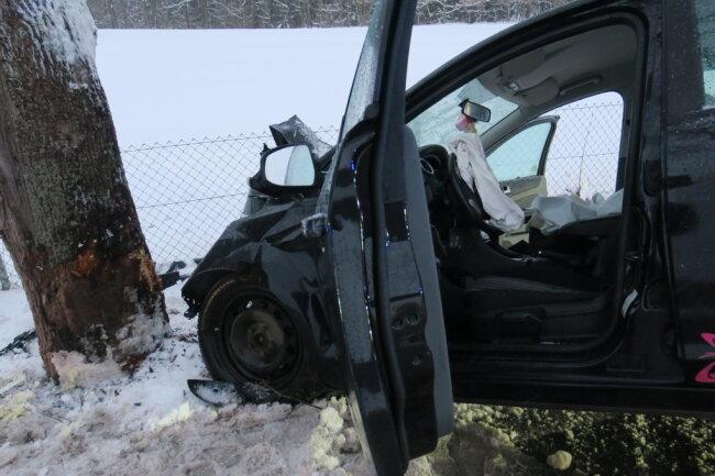 Die Unfallursache steht noch nicht fest.