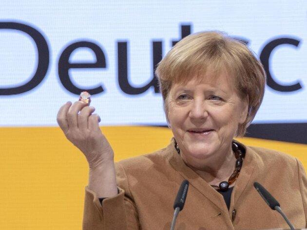 Ihr letzter Parteitag als CDU-Vorsitzende: Angela Merkel bei der Besichtigung der Hamburger Messehalle.