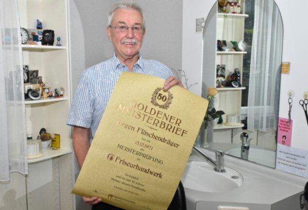 Jürgen Fläschendräger aus Oelsnitz wurde mit dem Goldenen Meisterbrief geehrt.