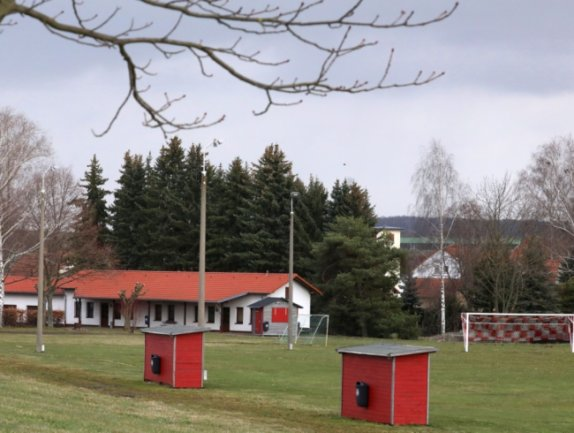 Für Planungen zur Aufwertung des Sportplatzes in Oberwiera stehen 30.000 Euro im Entwurf des Haushaltsplanes für 2021.