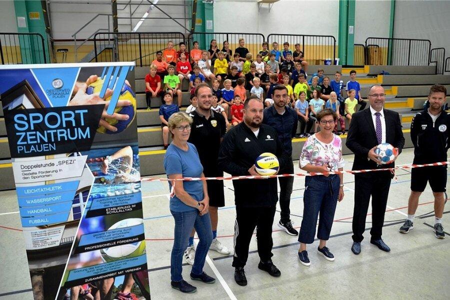 Am Diesterweg-Gymnasium gibt es jetzt das Sportzentrum Plauen. Schüler werden auf freiwilliger Basis über den Unterricht hinaus in einer Doppelstunde gezielt gefördert.
