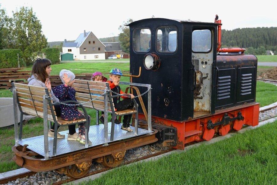 Kühnhaidner verwirklicht 120 Jahre alte Eisenbahnpläne in Miniatur