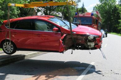 Am frühen Nachmittag istes in Zschorlau auf der Talstraße zu einem Unfall gekommen.
