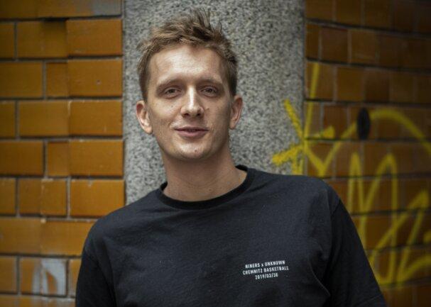 Felix Kummer, Frontmann der Band Kraftklub, öffnet am Freitag seinen Plattenladen in Chemnitz.