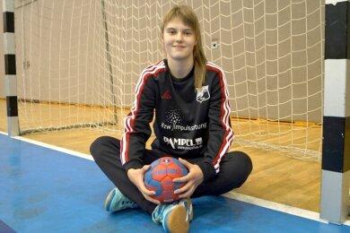 Ihr Platz ist zwischen den Pfosten: Torhüterin Maja Wehner vom BSV Sachsen hat sich mit guten Leistungen in den Kandidatenkreis für die deutsche Nachwuchs-Nationalmannschaft gespielt.
