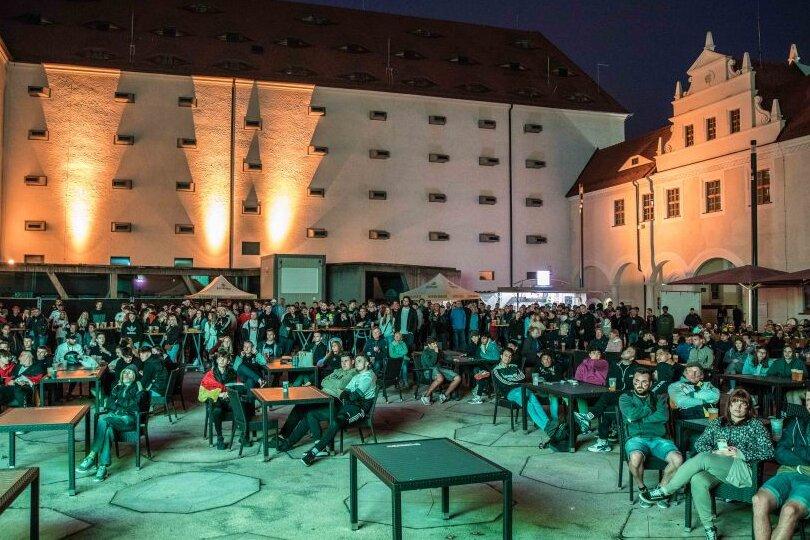 Ins Achtelfinale: Public Viewing bei den Freiberger Sommernächten