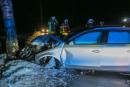 Ein Audi ist von der S222 zwischen Grünhain und Elterlein abgekommen und gegen einen Baum geprallt.