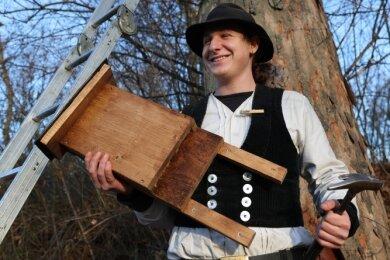 Tim-Luca Saur ist im Vogtland auf der Walz. Für freie Kost und Logis macht er sich im Natur- und Umweltzentrum nützlich.