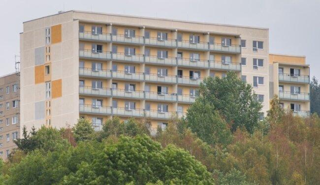 Der frisch sanierte Elfgeschosser an der Solinger Straße in Aue. Die oberste Etage kann derzeit nicht genutzt werden.