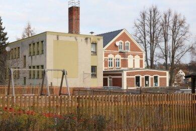Noch steht der Anbau aus den 1980er Jahren an der Trünziger Schule.