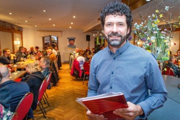 Raik Schubert gewinnt Bürgermeister-Wahl in Niederwiesa