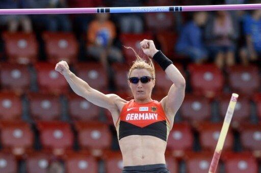 Carolin Hingst springt über 4,35 m und damit ins Finale