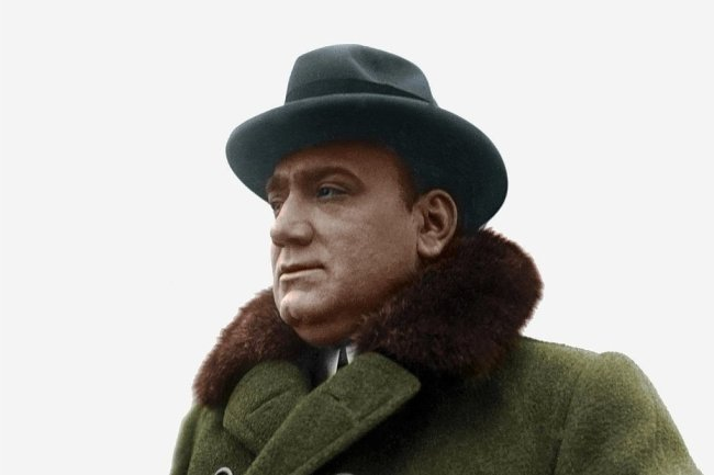 Der italienische Opernsänger Enrico Caruso galt vielen als Star, wurde weltweit bewundert. Doch der Ruhm war ihm nicht in die Wiege gelegt worden.