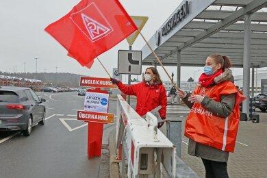 Die Warnstreiks der IG Metall haben in der dritten Woche den größten Arbeitgeber im Landkreis erreicht.