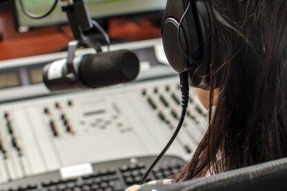 Der Rundfunk ist nicht immer ein Ort, wo gutes Deutsch gepflegt wird. Manchen stört das.