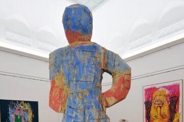 """""""Mondrians Schwester"""" von Georg Baselitz blickte 2011 in einer Ausstellung in Chemnitz auf weitere Werke des Künstlers. Die Skulptur ist im Besitz der Kunstsammlungen Chemnitz und von der Rückforderung Baselitz' nicht betroffen."""