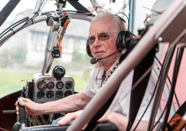 Peter Funke fliegt auch nach der Notlandung weiter mit seinen Leichtflugzeugen. Den Absturz hatten er und sein 65-jähriger Co-Pilot damals ohne Verletzungen überstanden.