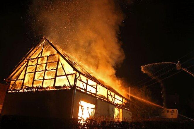 Neuwürschnitz: Scheune niedergebrannt