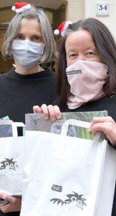 Heike Wenige (r.) und Martina Gehlhaus vom Taschenbuchladen setzten aufs Bestellsystem
