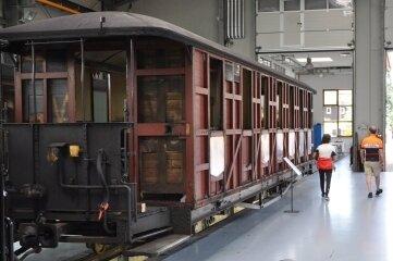 Die Fahrzeughalle der Preßnitztalbahn kann am Wochenende besichtigt werden.
