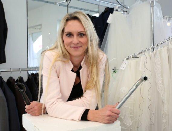 Ina Riedel verkauft besondere Brautmode.