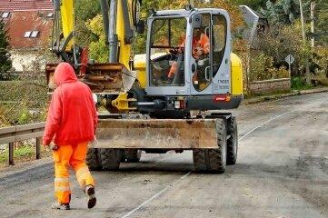 Der erste Teil der Ortsdurchfahrt Gablenz ist fertig. Ab 25. Oktober wird von Hausnummer 33 bis Ortsausgang (in Richtung Dennheritz) gearbeitet. Bauende ist am 16. November.