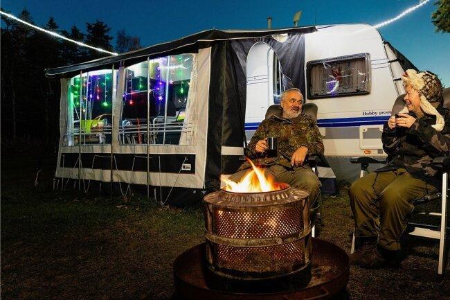 Uwe und Andrea Stumbitz sind schon seit 25 Jahren Dauercamper in Altenberg. Auch im Winter kommt das Ehepaar aus Böhlen bei Leipzig regelmäßig ins Osterzgebirge.