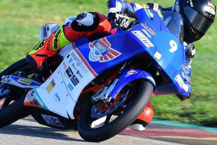 Mit Vollgas in Richtung WM? Motorsportler Freddie Heinrich aus Lunzenau hat in der abgelaufenen Saison zumindest den Sprung in die letzte Nachwuchsserie unterhalb der Motorrad-WM geschafft.