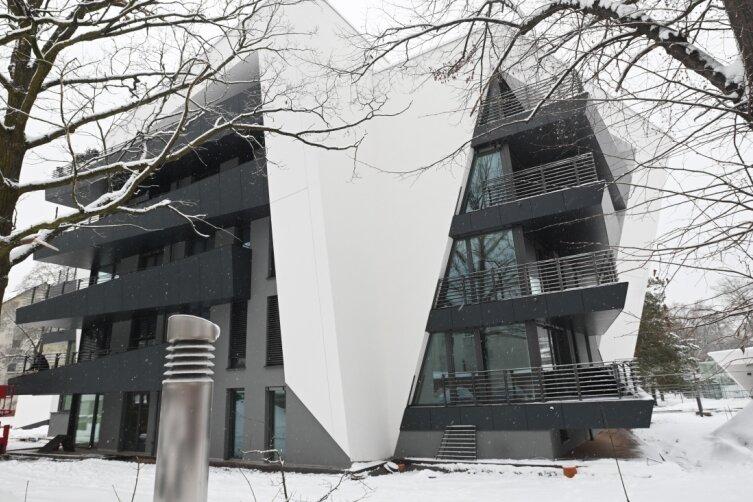 Wo Chemnitz als Stadt der Moderne wächst: Eines der Wohnhäuser der Tanzenden Siedlung auf dem Kaßberg ist bereits fertiggestellt.